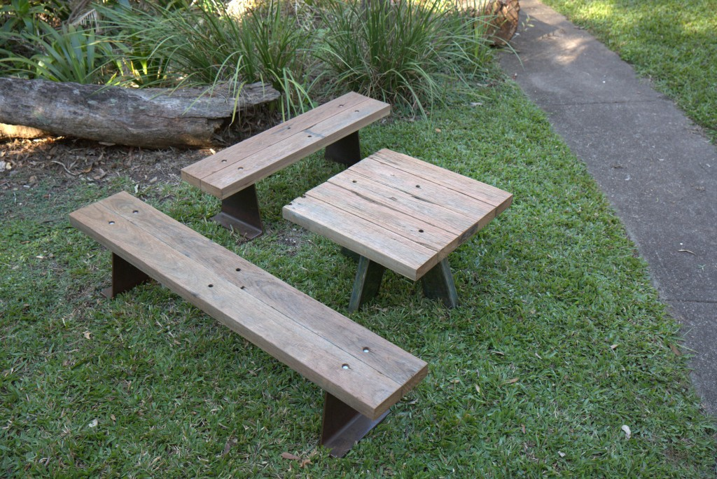 benches-table